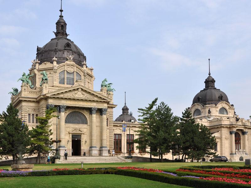 Copertina-Széchenyi-Baths