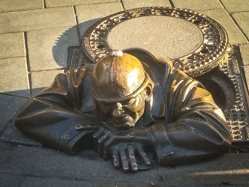 Cosa vedere a Bratislava – Le statue curiose di Bratislava