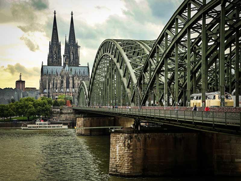 Cosa vedere a Colonia – Il Ponte Hohenzollern (Ponte dei lucchetti)