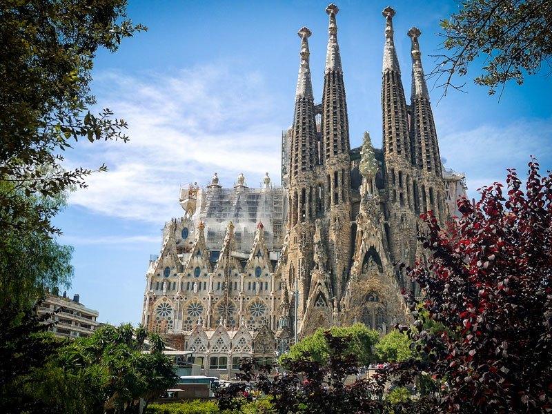 Copertina La Sagrada Familia