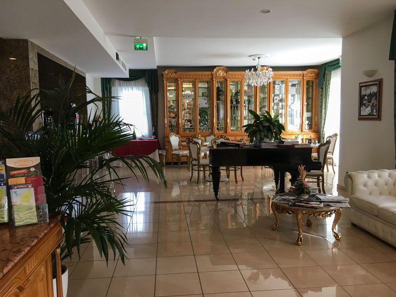 Grand-Hotel-Primavera---Hall-3