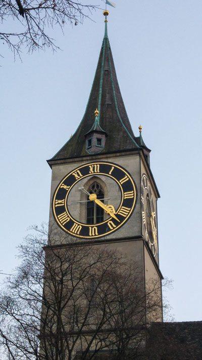 Zurigo---La-Chiesa-di-St.-Peter-2