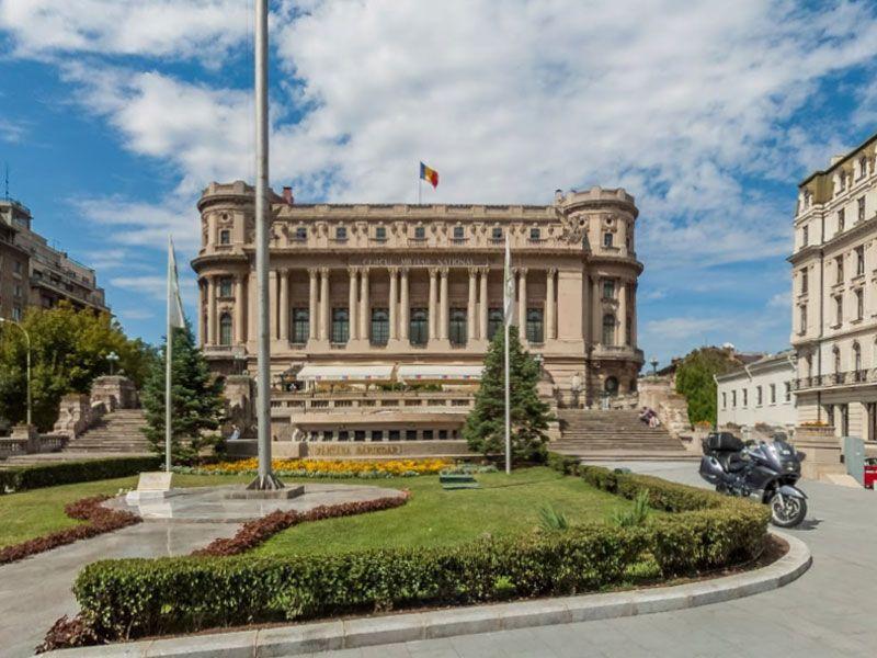 Cosa vedere a bucarest cercul militar na ional for Bucarest cosa visitare