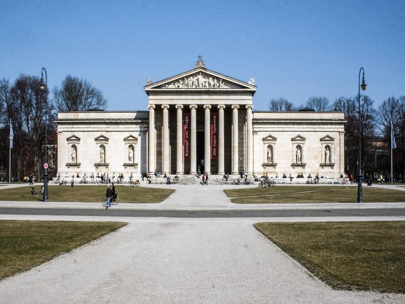 Copertina Königsplatz
