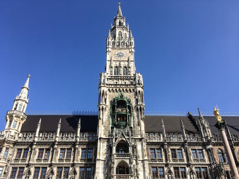 Monaco - ll Neues Rathaus ed il suo Carillon