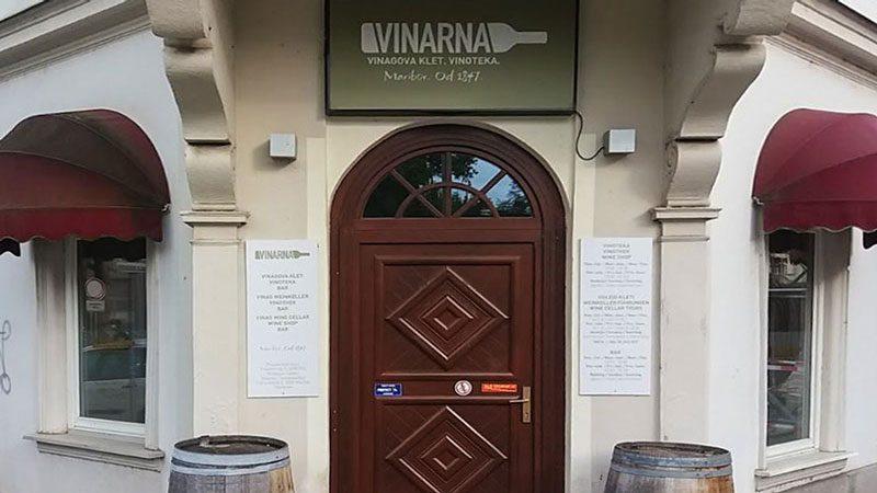 Ingresso alla Vinag Wine Cellar - Vinoteka Vinarva