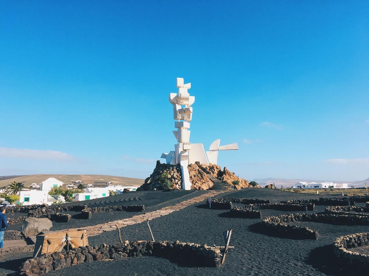 Copertina_Monumento_Al_Campesino