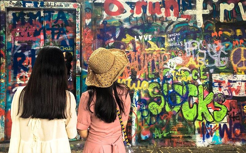 Street-Art-Praga-John-Lennon-Wall