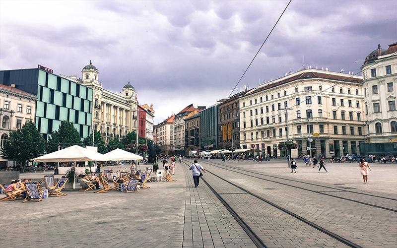 Brno Freedom Square e l'orologio astronomico