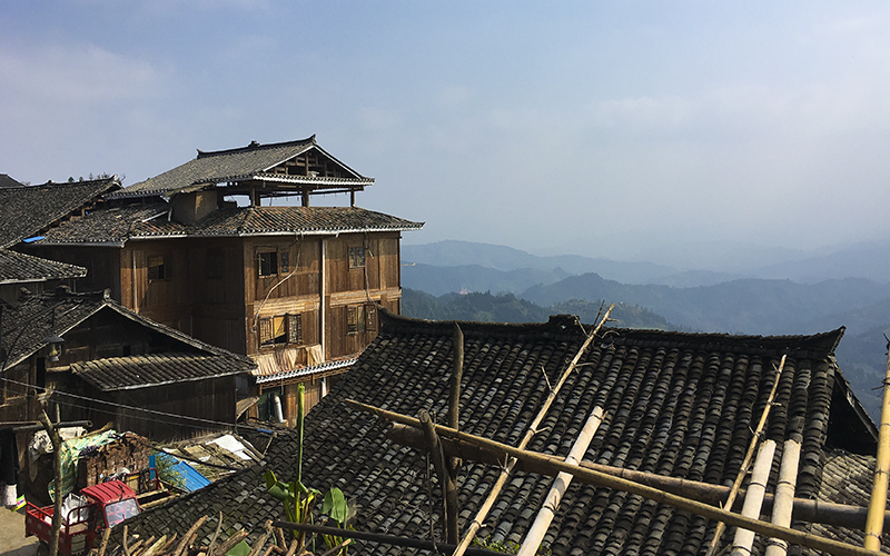 Basha-Miao-Village-le-tipiche-case-diaojiaolou