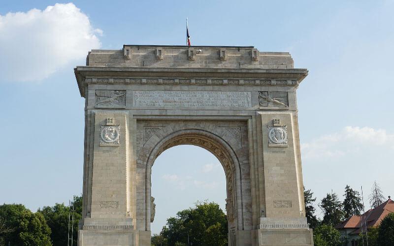 Arco-di-Trionfo-Bucarest-1