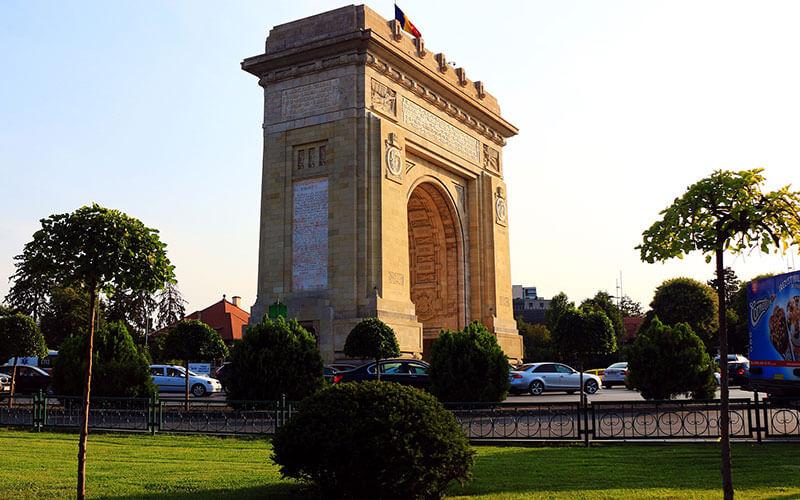 Arco-di-trionfo-Bucarest-2