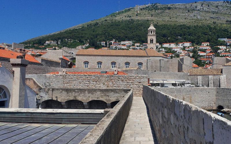 Mura-Dubrovnik-camminando-per-le-mura