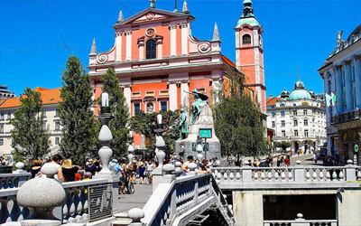 Visitare-Lubiana-Piazza-Prešeren-Ljubljana