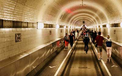 Amburgo---Elbe-Tunnel