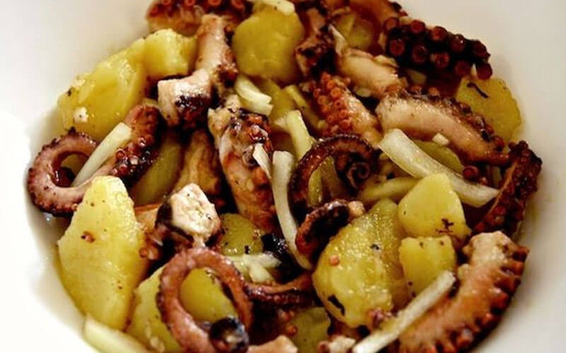 Cosa-Mangiare-a-Dubrovnik--dalmatian-octopus-salad-2019