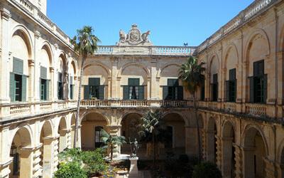 La-Valletta-Palazzo-del-Gran-Maestro