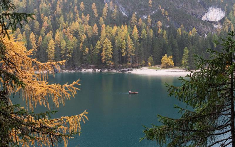 Lago-di-Braies-visto-dall-alto