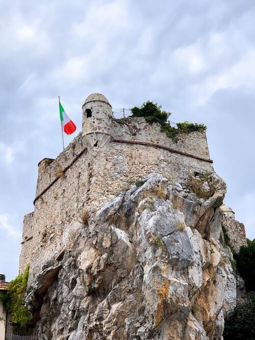 Pietra-Ligure-Castello