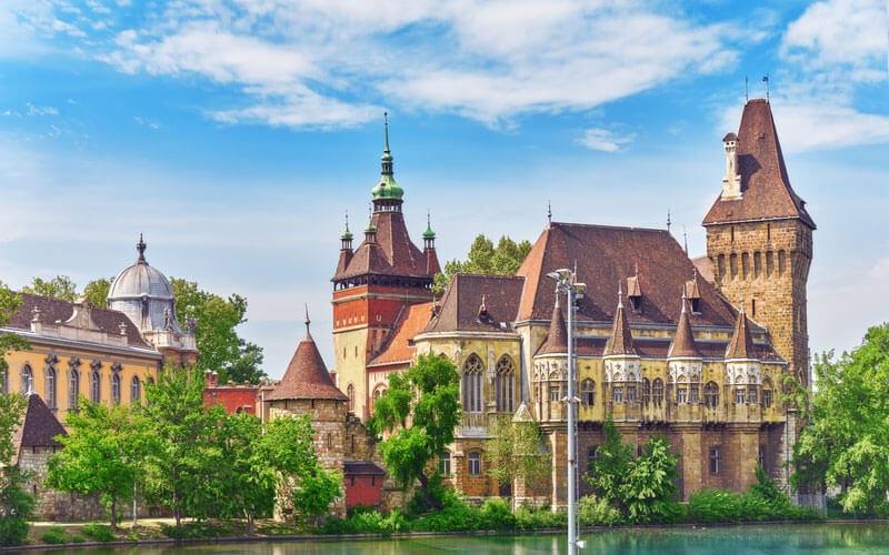 Castello-di-Vajdahunyad-Budapest