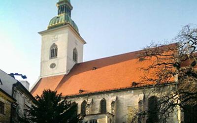 Visitare-Bratislava---Cattedrale-di-San-Martino