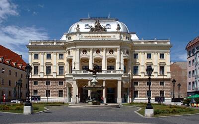 Visitare-Bratislava---Teatro-Nazionale-Slovacco