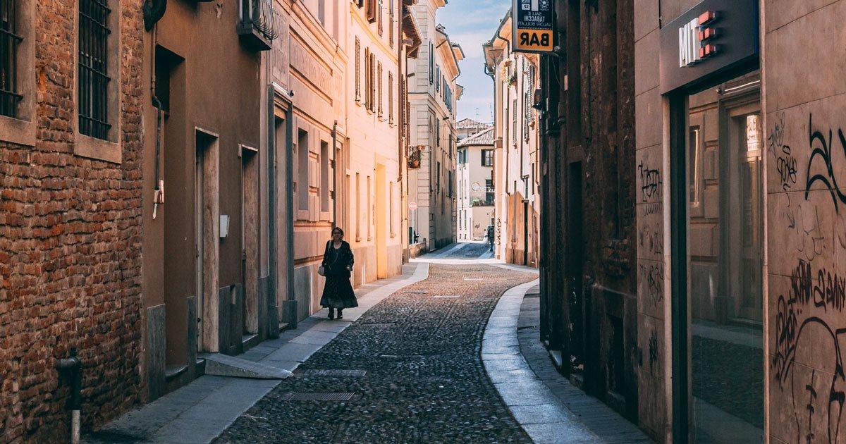 Copertina-visitare-Pavia