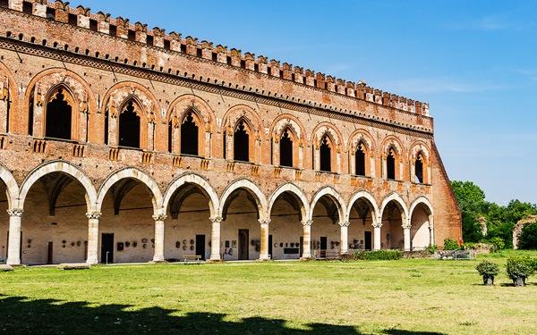 Pavia-Castello-Visconteo