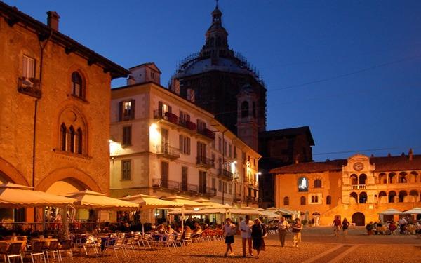 Pavia-Piazza-Vittoria