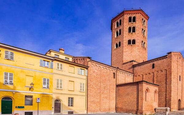 Piacenza-Basilica-di-sant-antonio