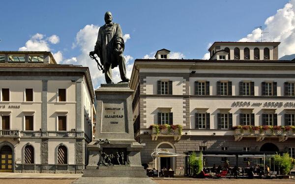 Piazza-Garibaldi-foto-by-inlombardiait