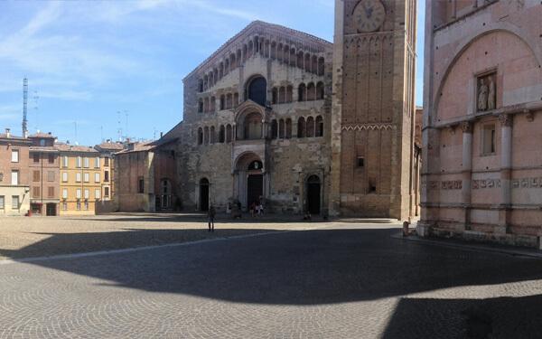Parma-Piazza-del-duomo