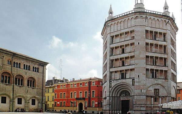 Parma-il-Battistero