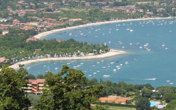 Spiagge-Manerba-del-Garda-alto