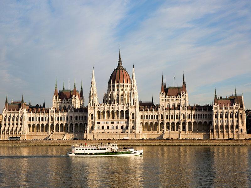 Copertina Parlamento di Budapest