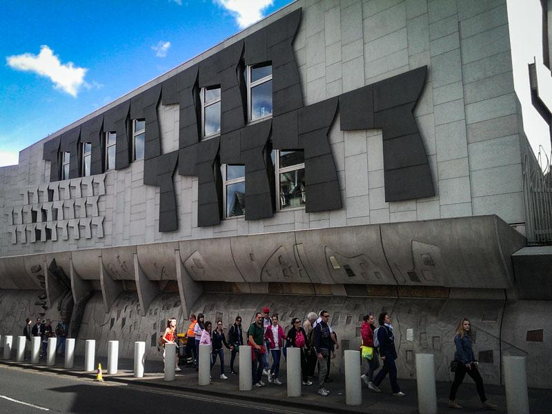 Copertina Parlamento Scozzese
