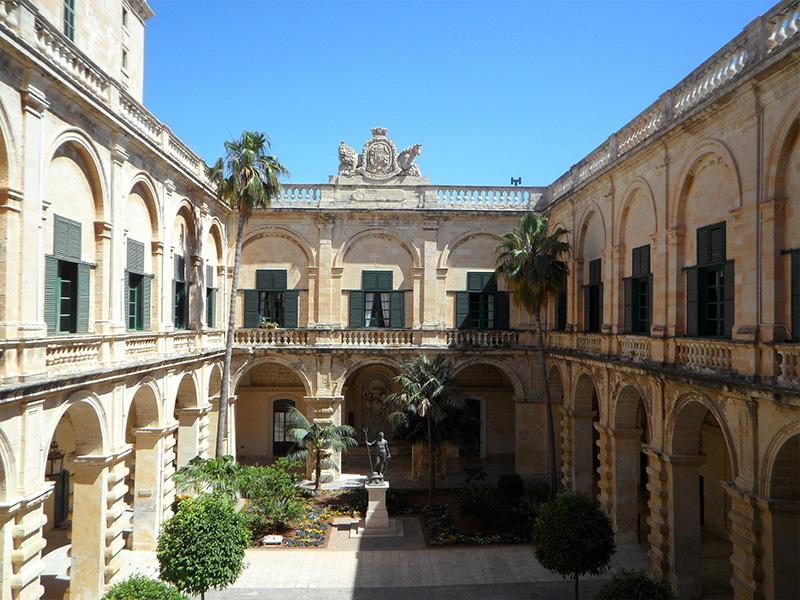 Copertina Palazzo del Gran Maestro