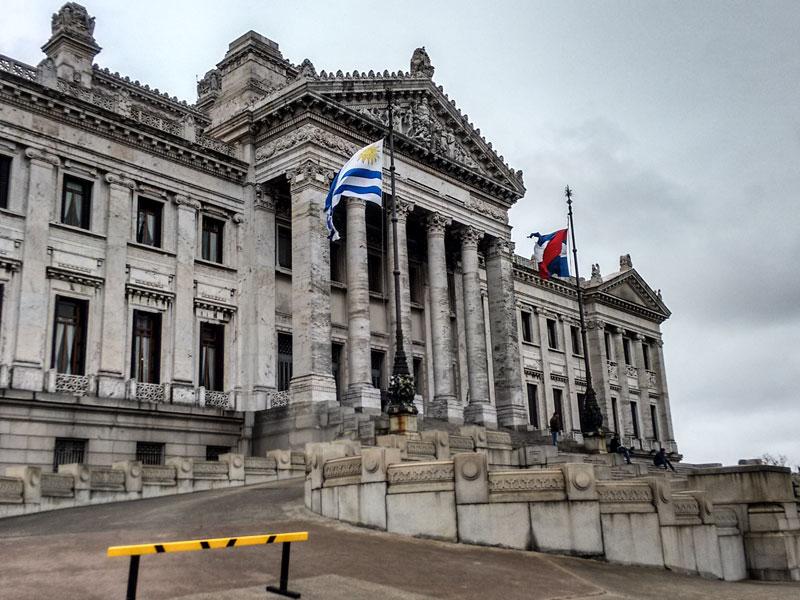 Copertina il Palacio Legislativo