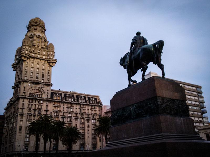 Copertina Plaza Indipendencia