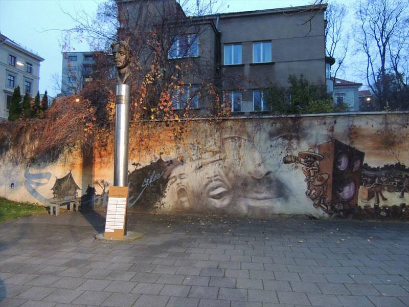 Vilnius - Monumento a Frank Zappa